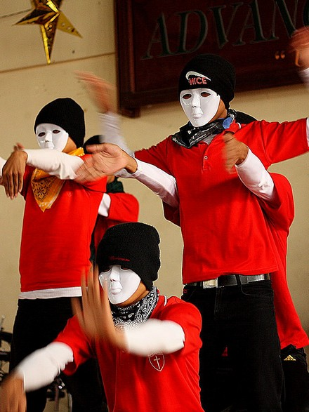 boys-dance-serkawn-school