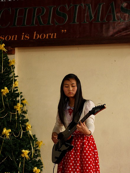 girl-guitarist-baptist-school-lunglei