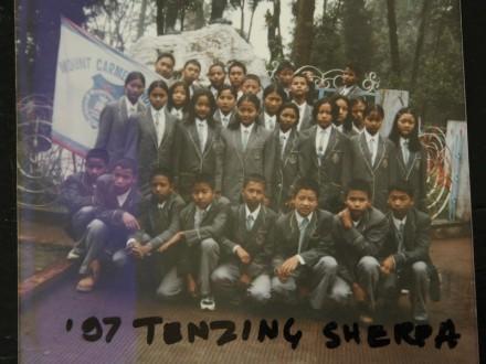 tenzing-sherpa-memorial-darjeeling