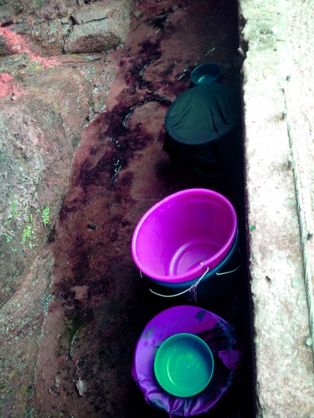 Buckets line up at an almost dry spring (tui kang)