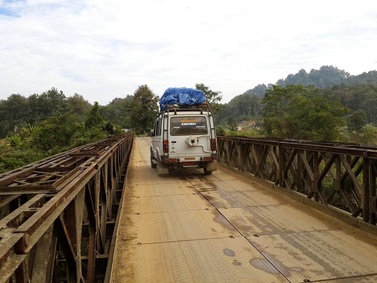 Sumo on the bridge