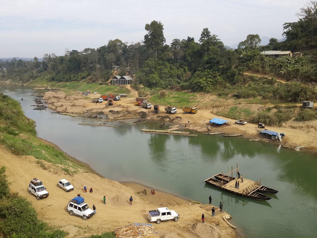 River crossing at Bairabi